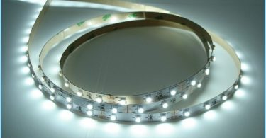 Miten asennan LED nauhat kattoon